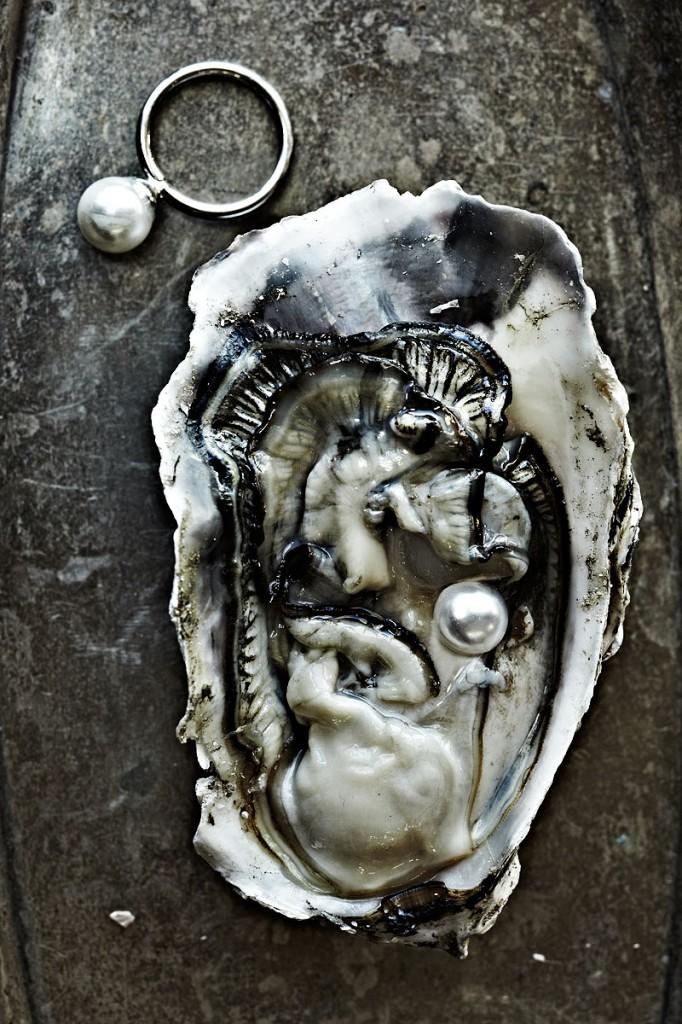 Fashionably Raw Oysters