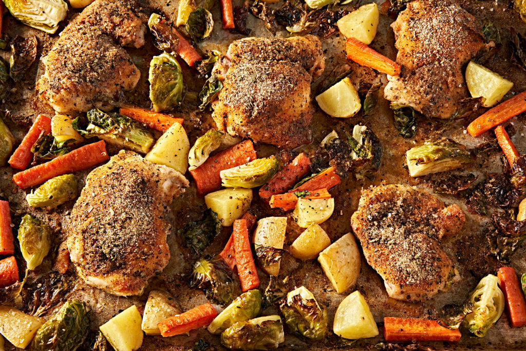 Sheet Pan Crispy and Juicy Roasted Chicken Thighs with Veggies (Whole30, Keto, Paleo)